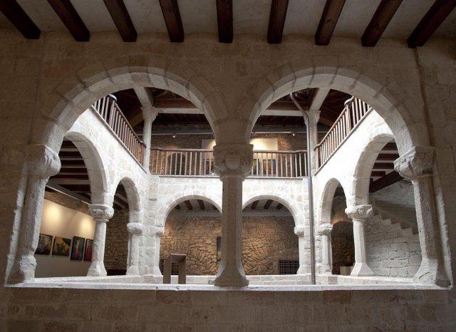 Palau de l'Abadia de Sant Joan de les Abadesses
