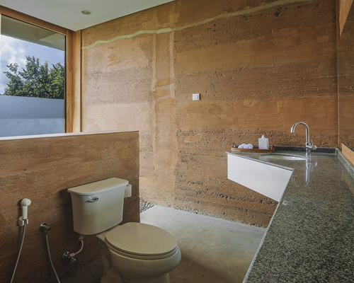 www.Tinuku.com Budi Pradono Architects studio build Seven Havens Luxury Residence using clay materials and expose natural décor