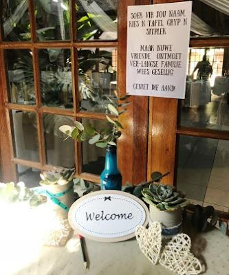 Welcome tabel at Rustic wedding