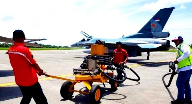 Petugas Crew Skuadron 16 Ungkapkan 1 Pesawat Tempur Berisi Sekian Liter Bahan Bakar