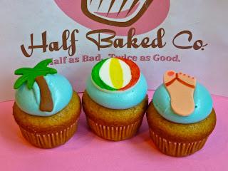 Beach Themed Cupcakes & Summertime Oreo Pops!!!