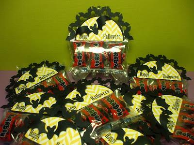 Halloween: Etiquetas de Murciélagos para Bolsas de Golosinas para Imprimir Gratis.