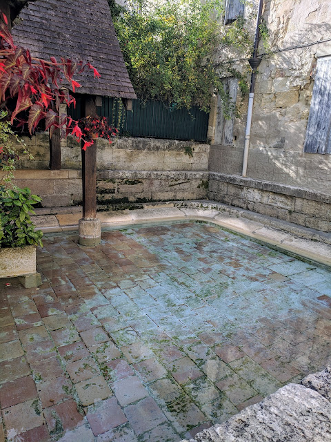 St. Emilion Points of Interest: Petite and Grande Fontaine