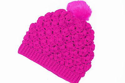 Foto gorro lila a crochet y ganchillo