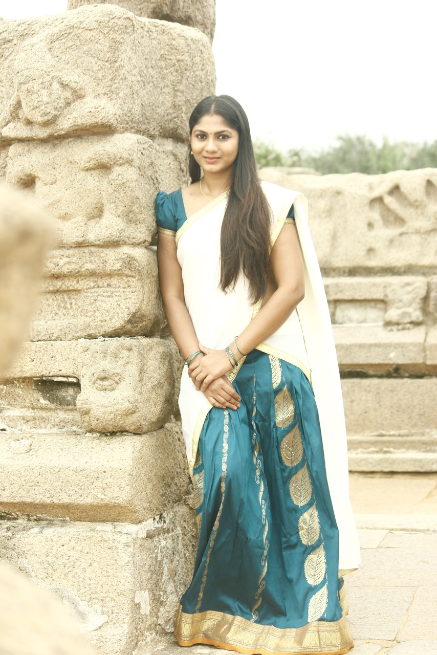Shruti Reddy latest photos in half saree-HQ-Photo-18