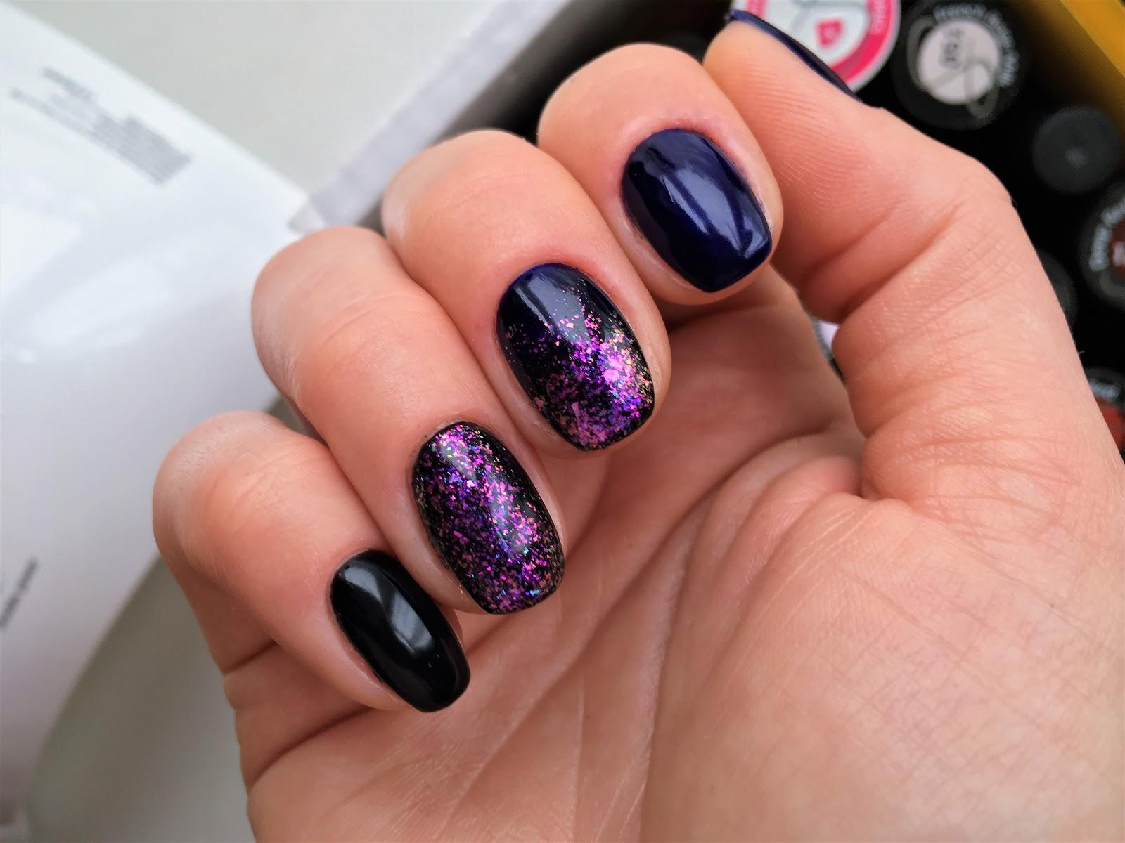 karnawałowy hybrydowy manicure