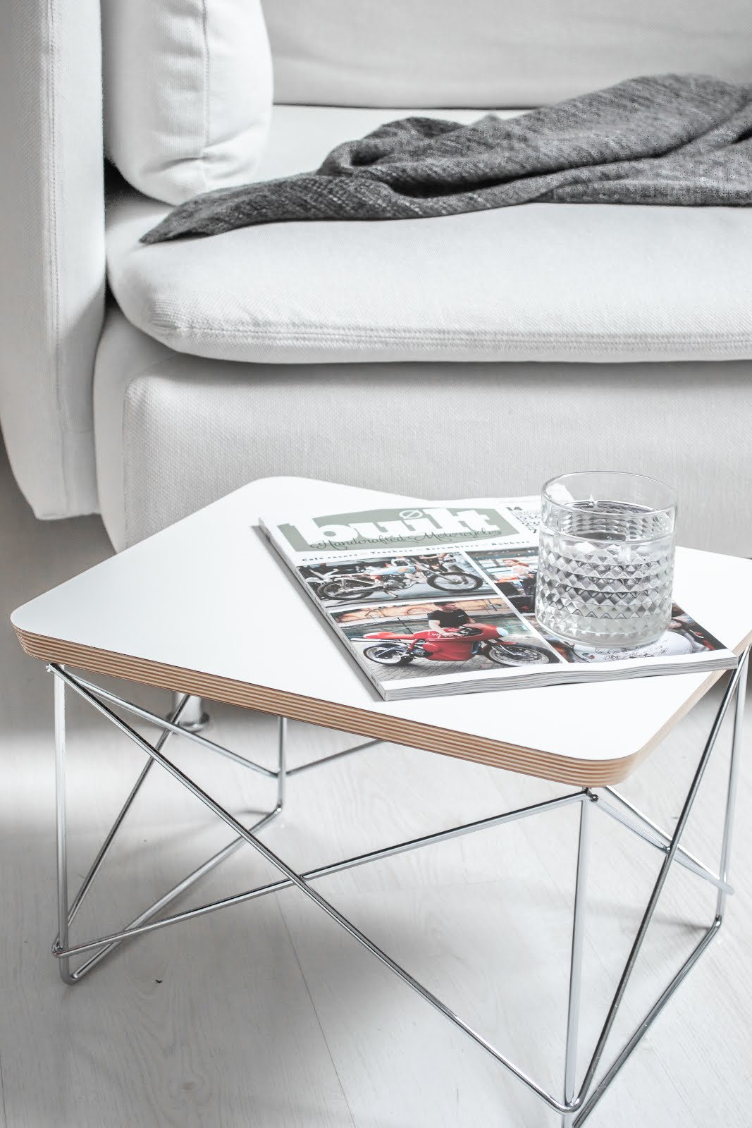 Vitra LTR table, charles ray eames, flinders, interior design, minimal interior, salon tafel, side table, occasional table, Low Table Rod Base