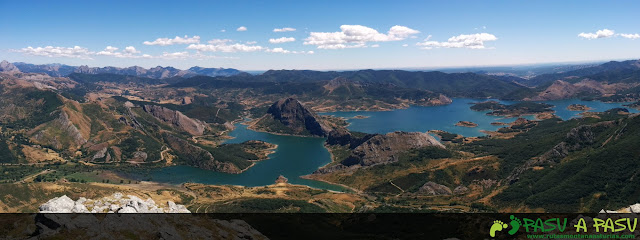 Panorámica desde la cima del Susarón sobre el Embalse del Porma