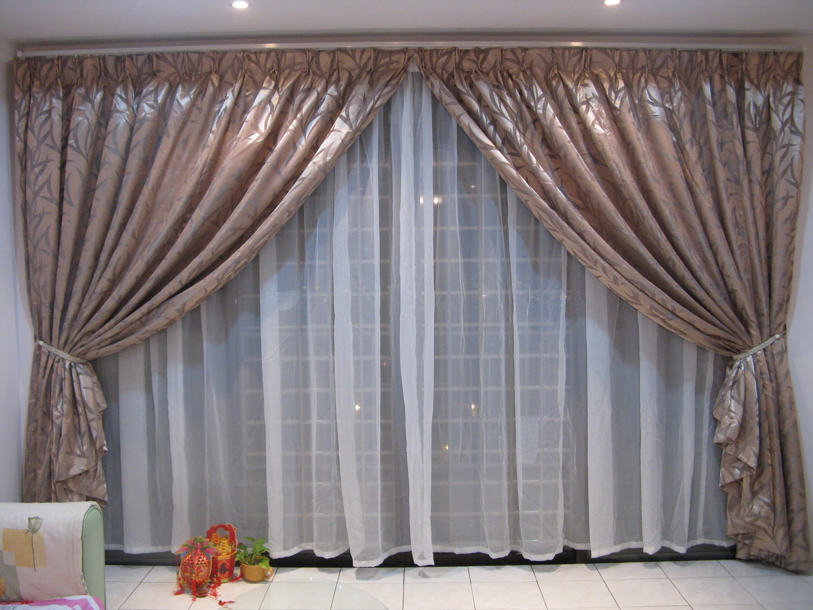 Vinzy Curtain