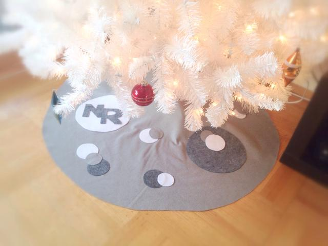 how to make a tree skirt