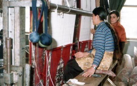 السجاد اليدوي يعود للحياة,تحويل وحدة سجاد إلى مركز لرعاية الأطفال المشردين في السويدا