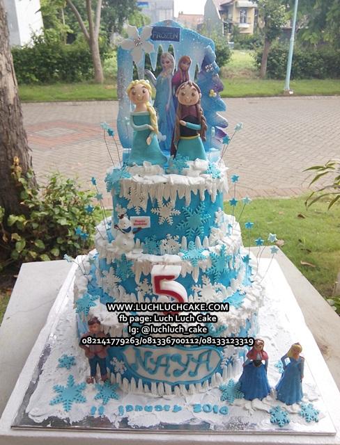 Kue Tart Tingkat Tiga Tema Frozen