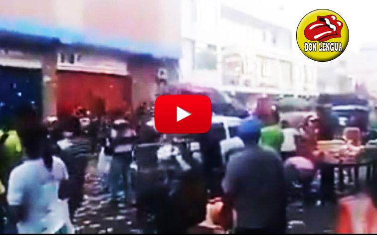 Comerciantes de Maicao lanzan miles de billetes de bolívares por las calles
