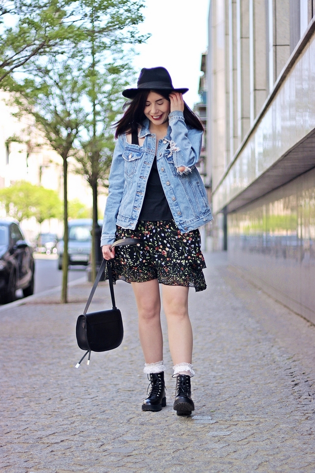 jak nosić styl grunge blogerka w kapeluszu Częstochowa