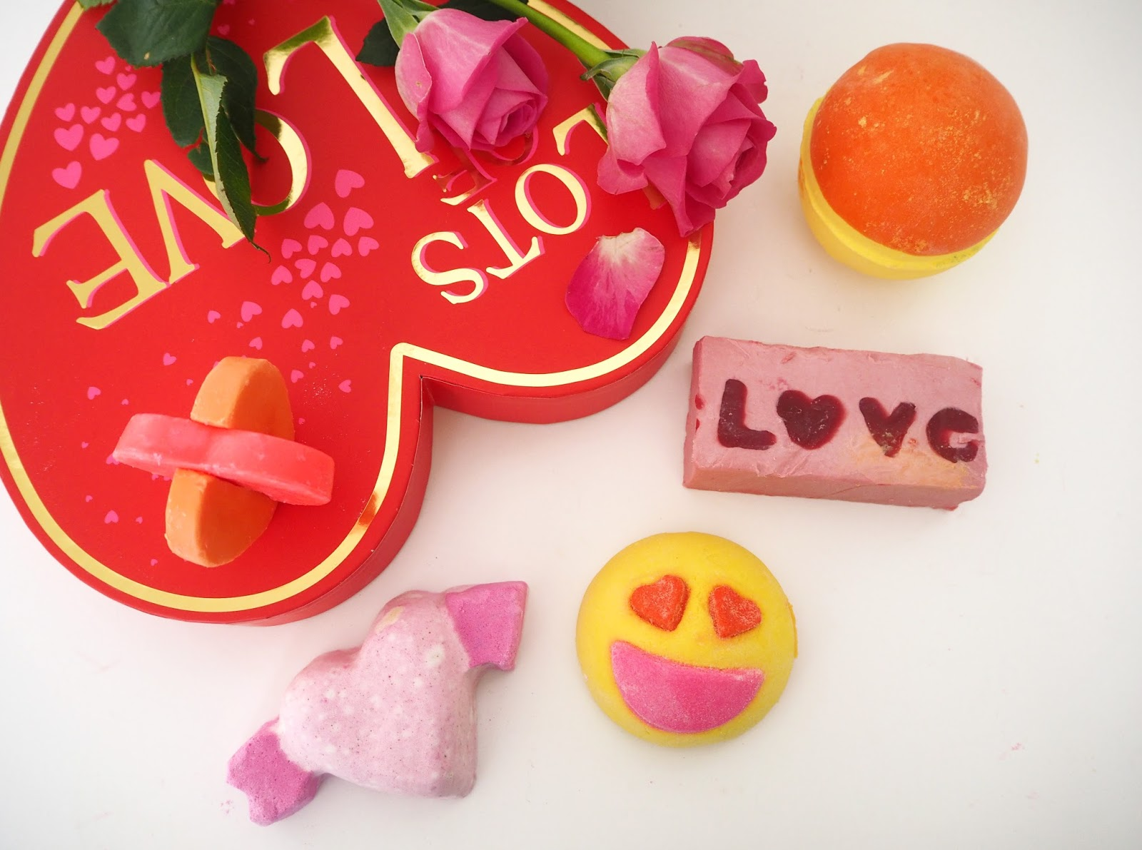 Lush Cosmetics Valentines 2017 Collection, Katie Kirk Loves, Lush Cosmetics UK, Lush 2017, Beauty Blogger, UK Blogger, Gifts For Her, Valentine's Day Gifts, Gift Ideas, Lush Review, Lush Gifts, Bath & Body Products, Blogger Review