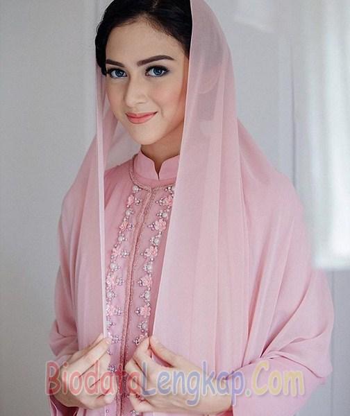 Nina Zatulini, artis cantik, artis cantik indonesia, cewek tercantik