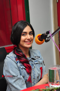 Vidyut Jamwal Adah Sharma Commando 2 Movie Team at Radio Mirchi 95  0029.jpg
