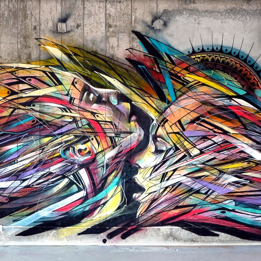 After a first visit a few weeks ago, Hopare is back in Hong-Kong where he worked on this new piece organised by Avenue des Arts Gallery.