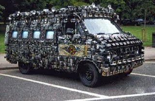 camera van car adalah mobil dengan desain paling unik dan aneh di dunia