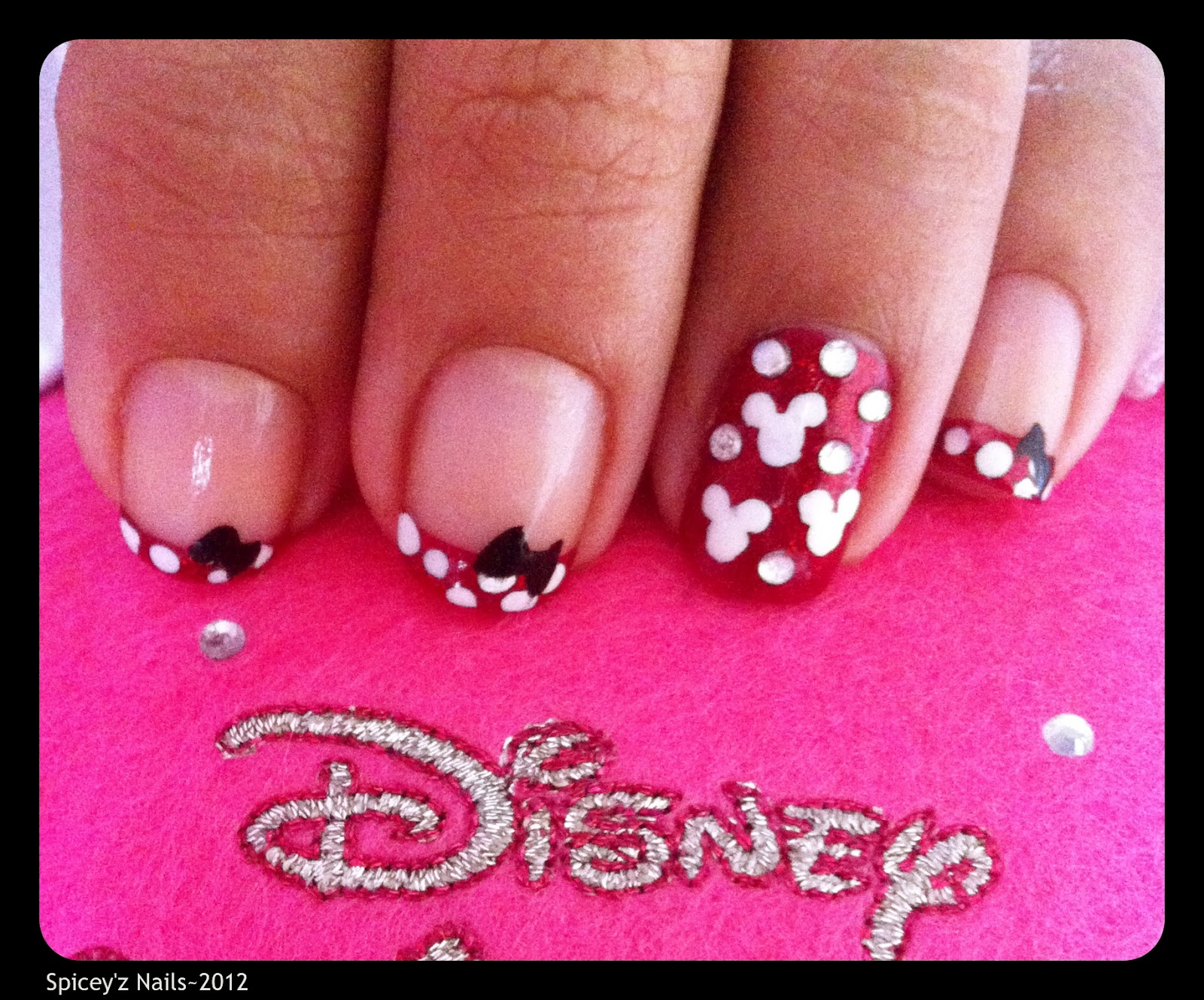 Spicey'z Nails: Minnie Mouse Nail Art