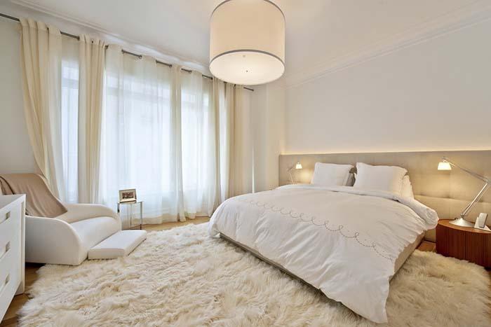 beyaz yatak odası perde modeli