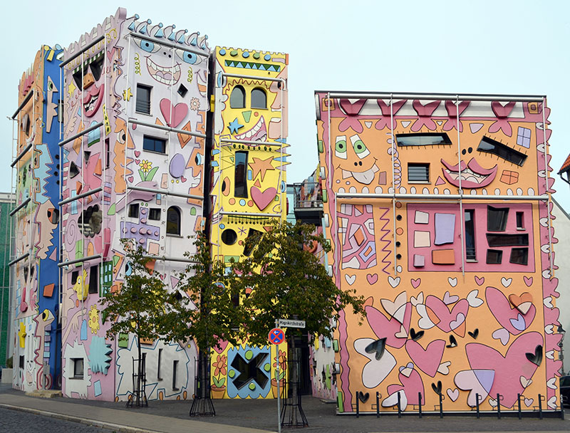 Happy Rizzi House by James Rizzi and Konrad Kloster