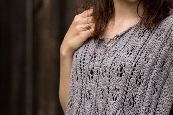 Gestrickter Poncho mit Ajourmuster | Lena Stricktrends Frühling 2016 | Anleitung, do it yourself, selbermachen, selber stricken, DIY, handmade fashion