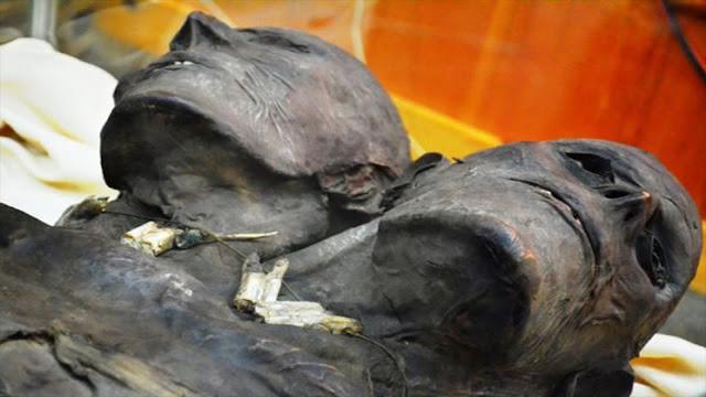 A impressionante múmia do gigante patagônico de duas cabeças