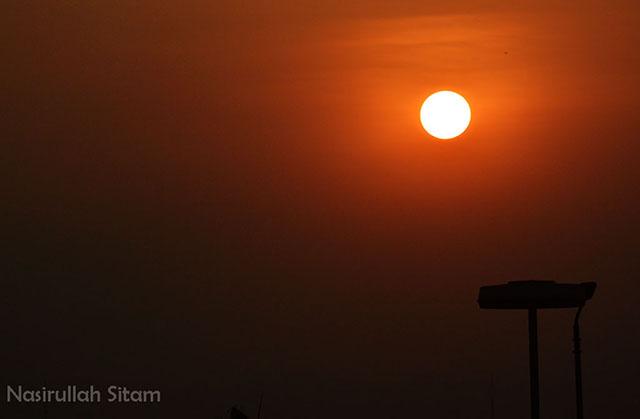 Memotret Kilau Sunset dari Parkiran Abu Bakar Ali, Malioboro