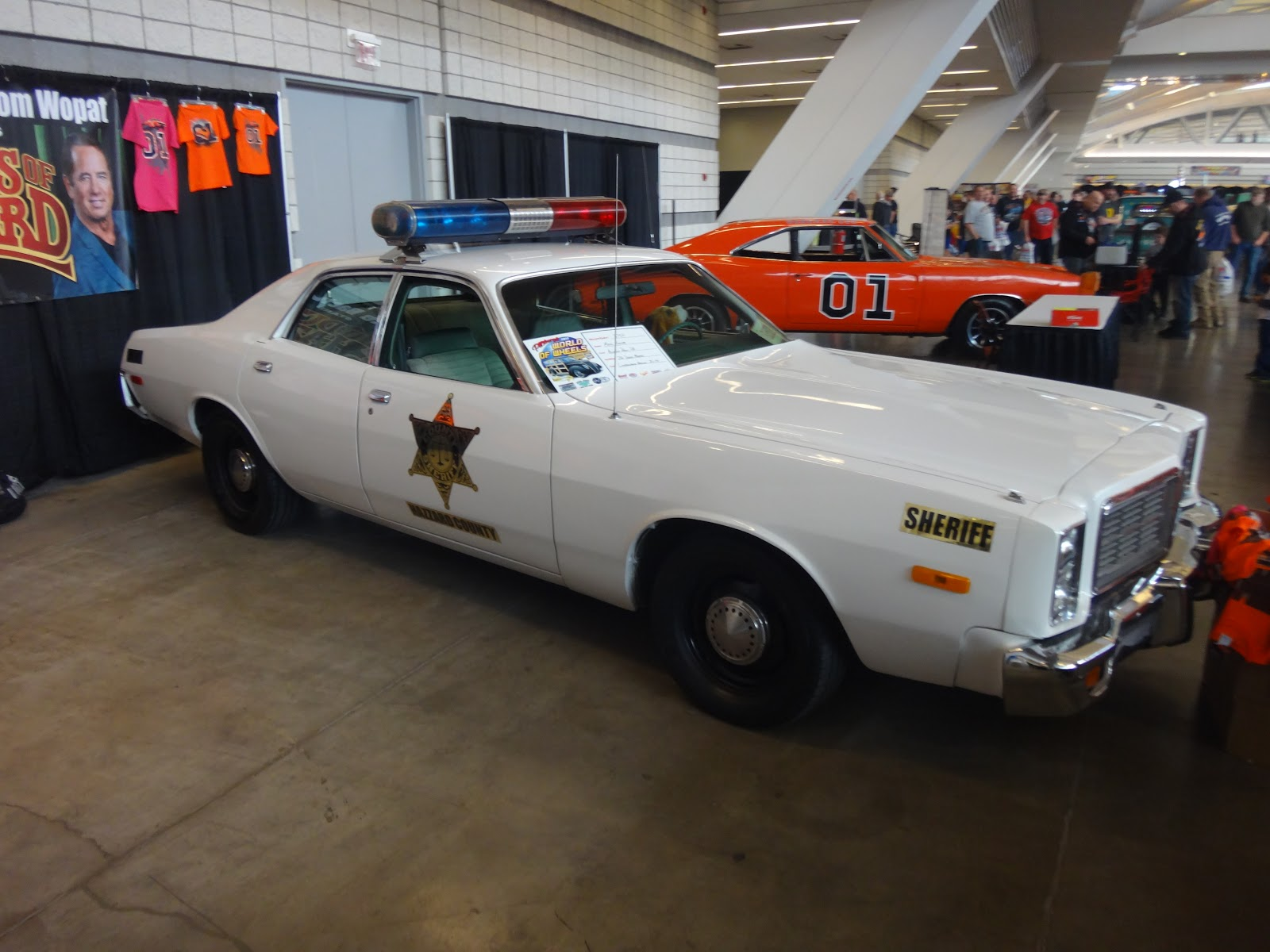 Dukes of Hazzard Collector: Catherine Bach and Tom Wopat ...  The Dukes Of Hazzard 2017 Car