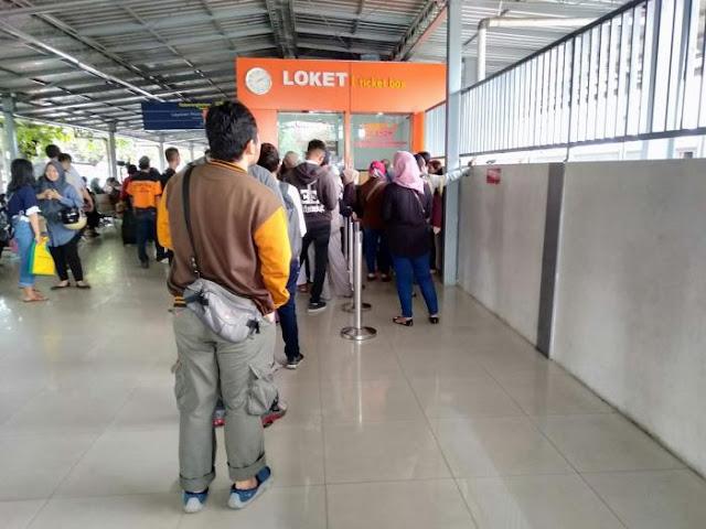 Loket tiket KA Prambanan eskpress stasiun lempuyangan