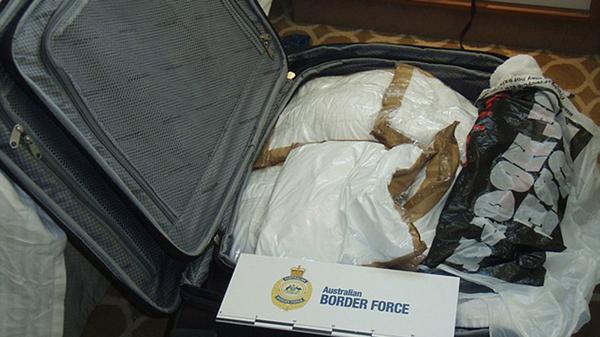 Arrestan a canadienses por traficar; son las mulas más sexis