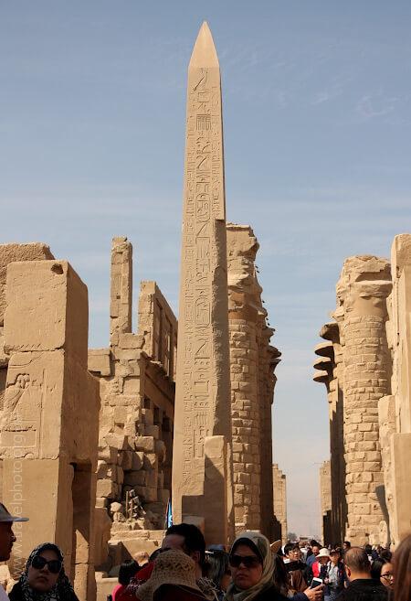 Египетский обелиск в Луксоре