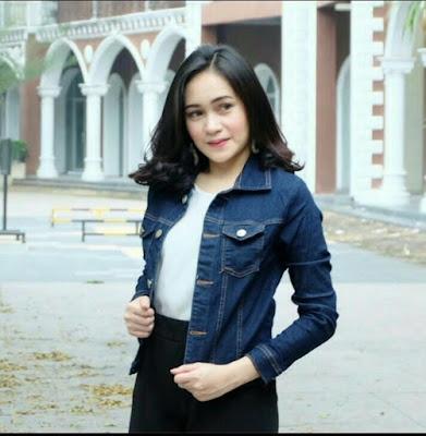 model jaket levis wanita terbaru