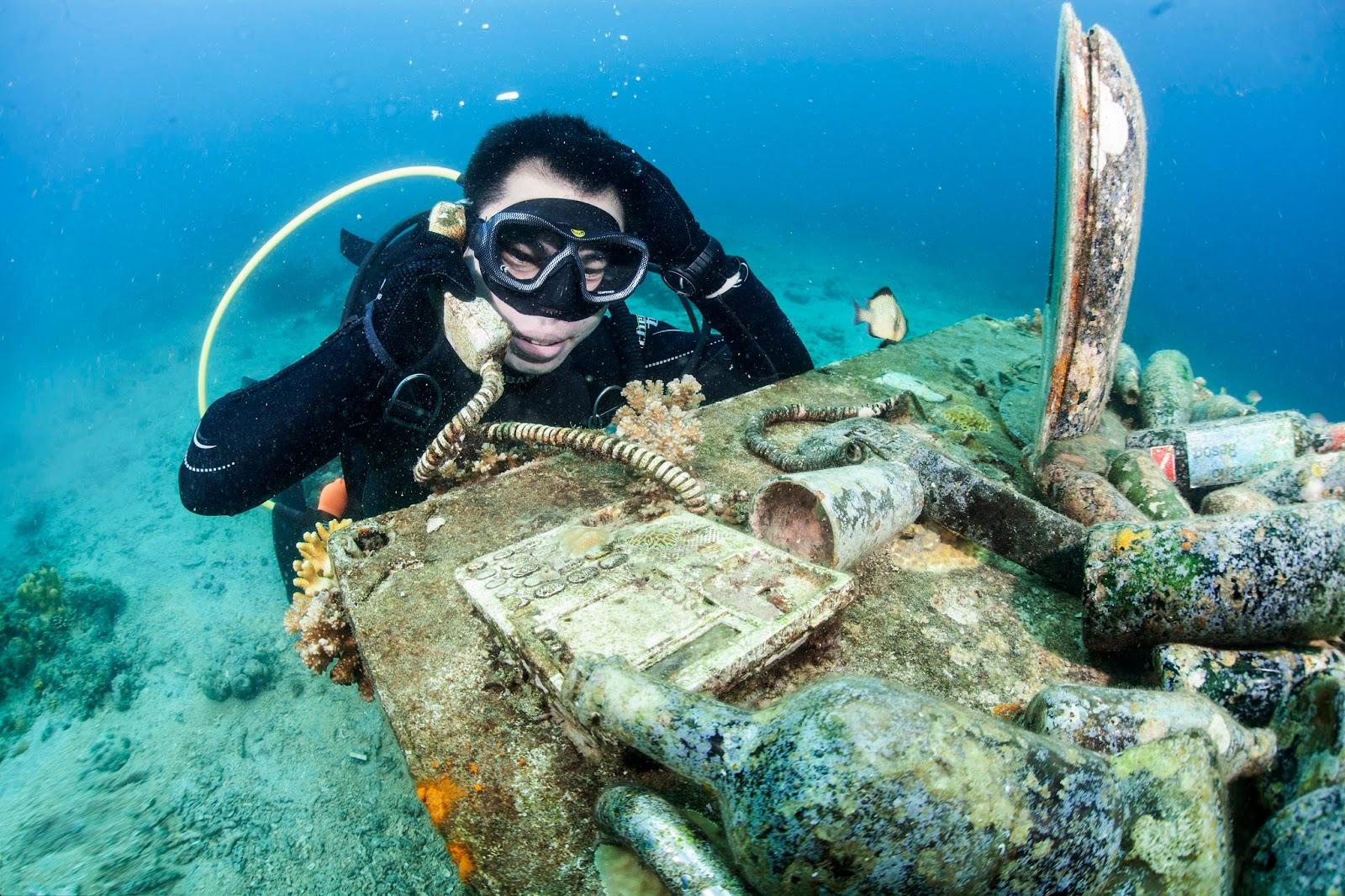 Underwater Motorbikes Anilao - PaparazSea