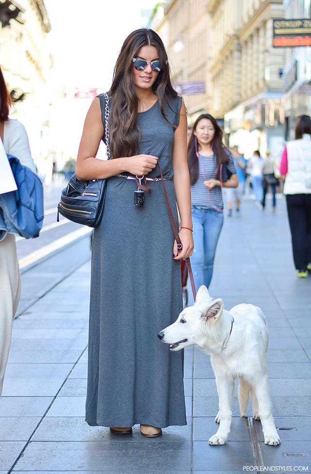 Nikol Ščrbec, ekonomistica. Moda, dizajn: ulična moda Zagreb, rujan 2015. street style fashion September 2015. How to wear maxi grey dress by peopleandstyles.com