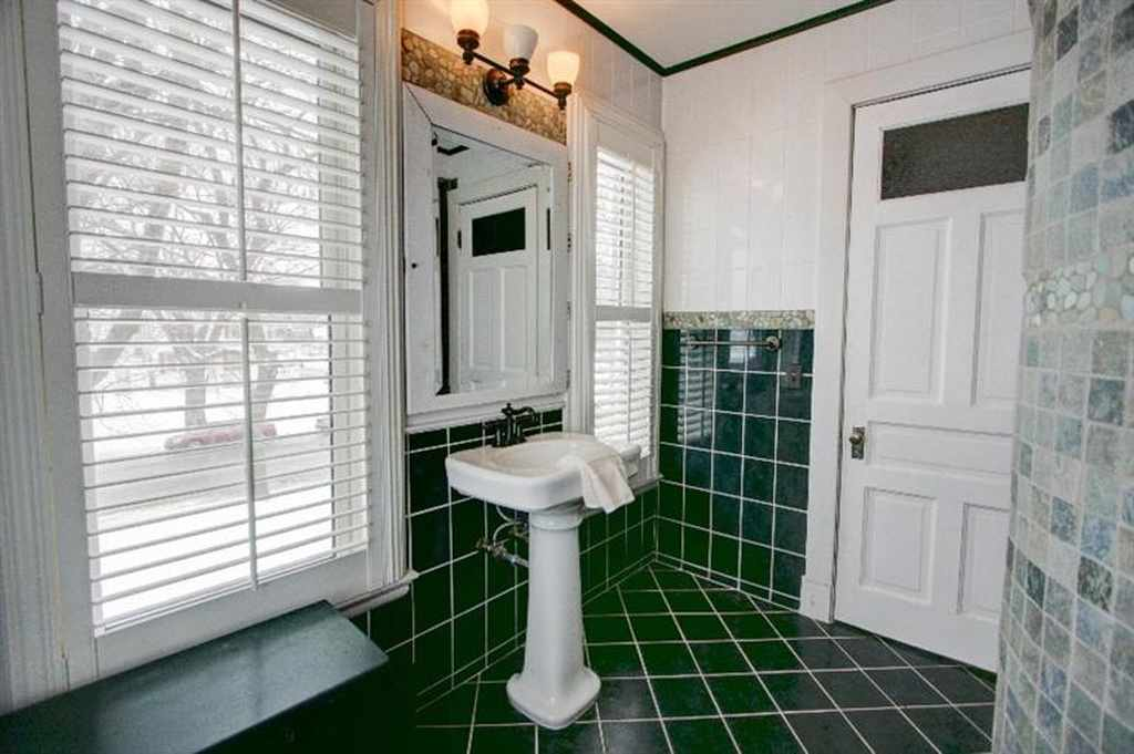 Sweet House Dreams: 1896 Victorian on the Mississippi River in ... on