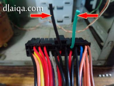 potong kabel hitam dan hijau