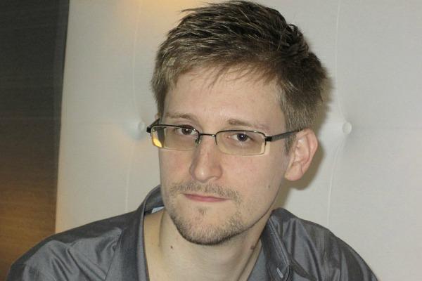 Political asylum for Snowden in Switzerland by M. Freysinger  ?