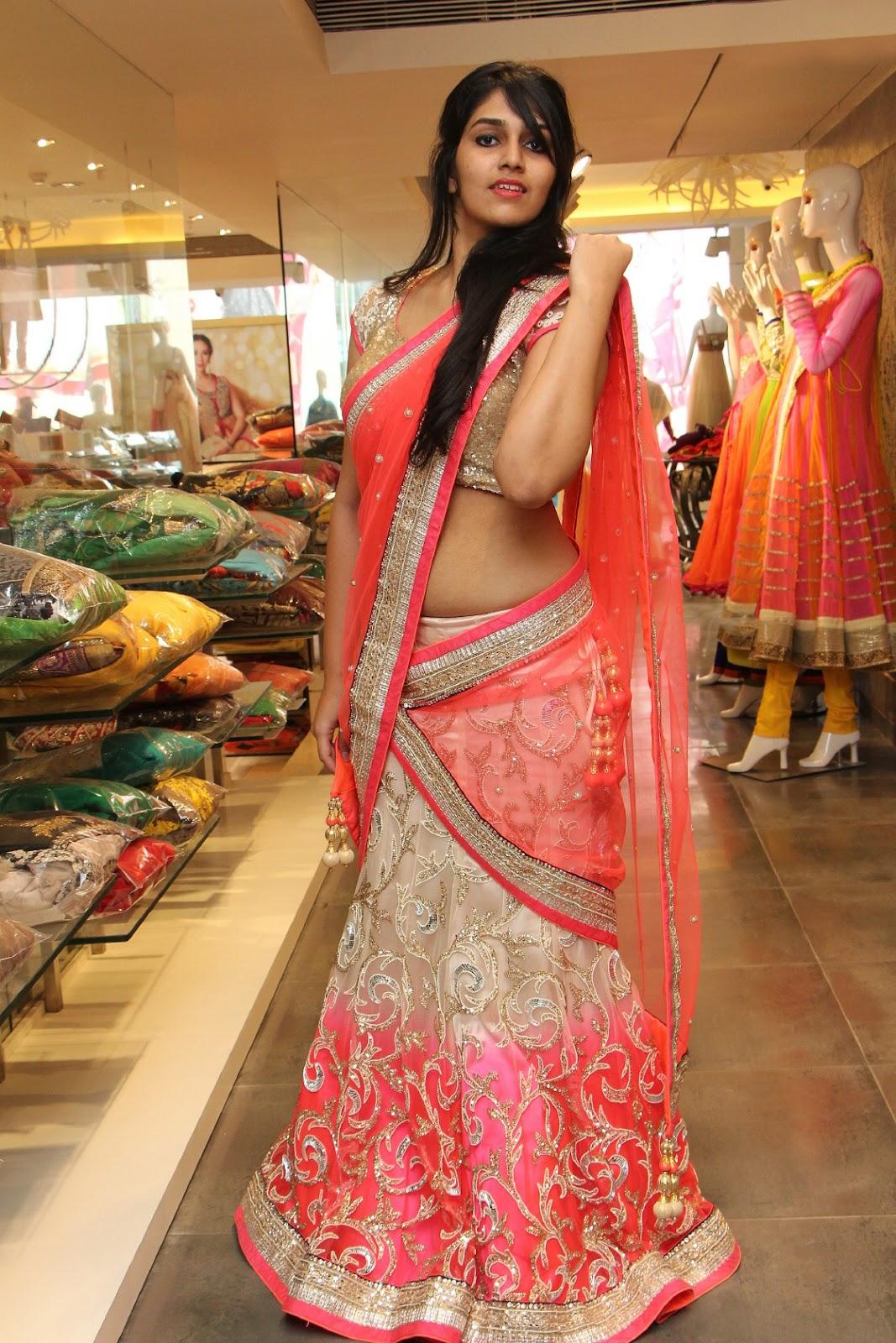 Beauty Galore HD : Saloni Neerus Hot South Indian Model In Half Sari