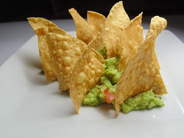 nachos cu sos guacamole