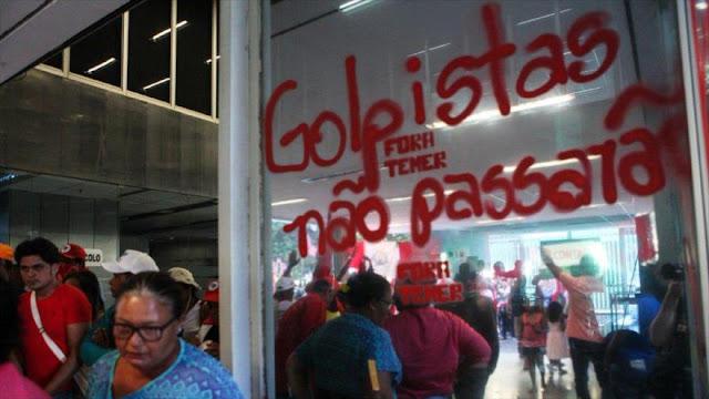 Miles de brasileños ocupan un ministerio y piden renuncia de Temer