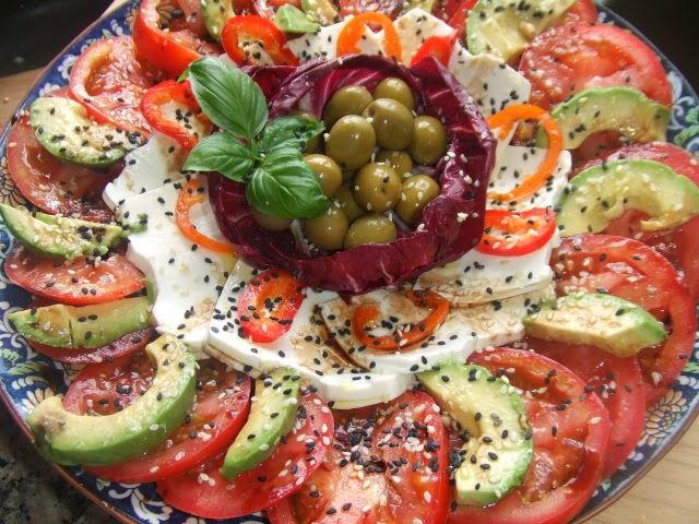 Receta de ensalada fría y colorida de verano