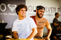 33 Jadson Andre BRA and Ian Gouveia BRA Quiksilver Pro France foto WSL Laurent Masurel