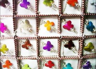 souvenir bros kupu-kupu, souvenir pernikahan bros cantik, souvenir pernikahan bros kupu, souvenir pernikahan bros murah.,