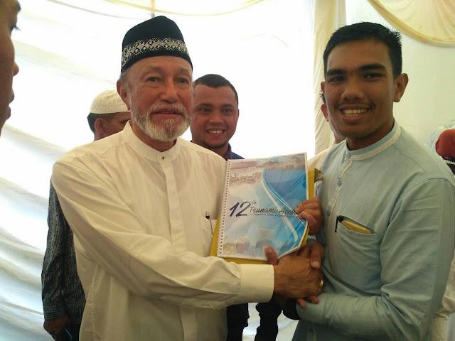 Buku Memori 12 Tahun Tsunami Aceh Diluncurkan