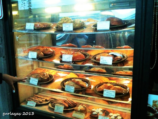 pastries at Pike Place Market Seattle by gurlayas.blogspot.com