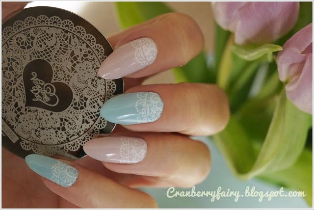 różowo niebieskie paznokcie