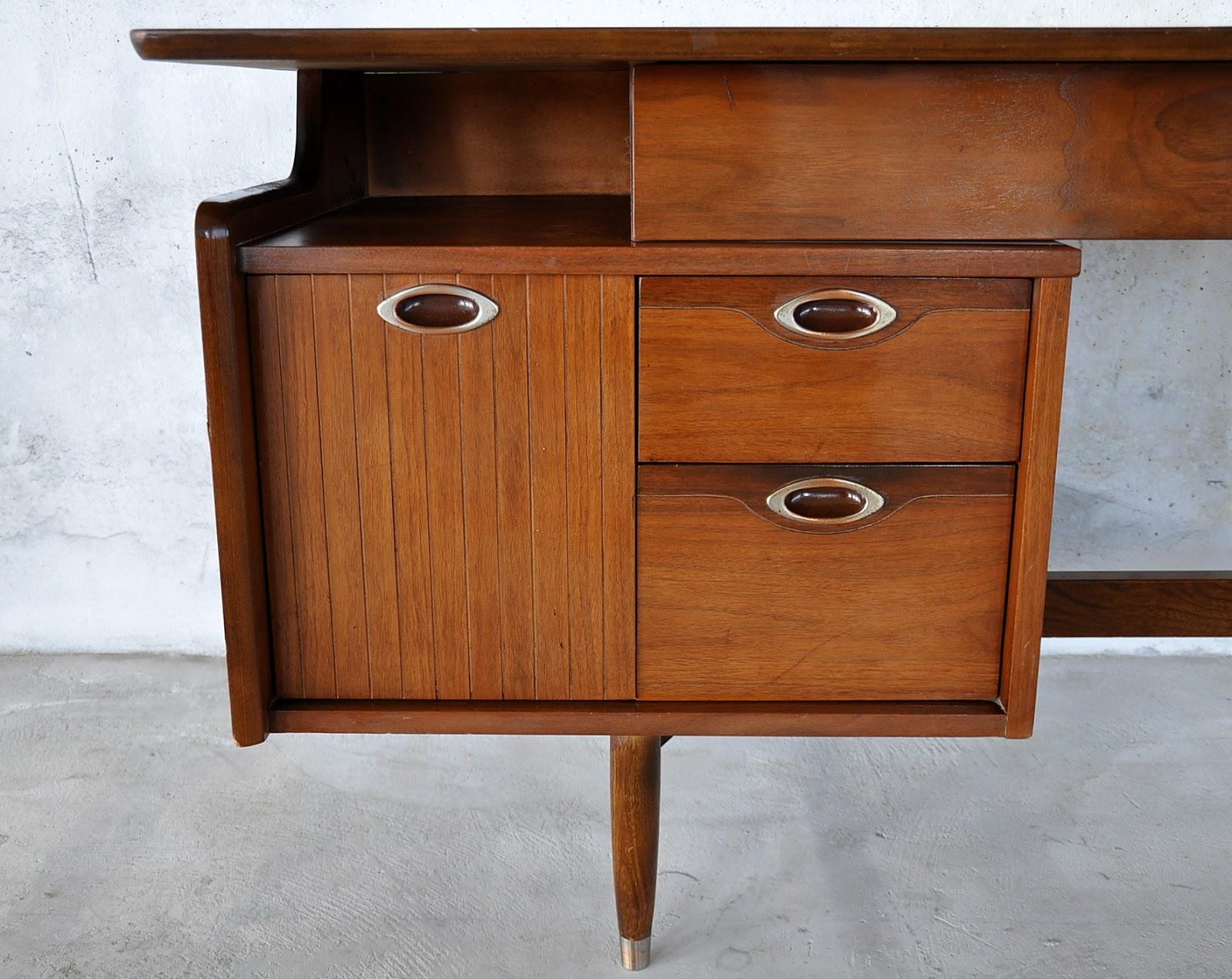 SELECT MODERN Hooker Mainline Desk