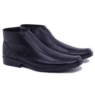 grosir sepatu PDH murah,grosir sepatu satpam kulit,grosir sepatu kerja pria murah,sepatu kerja pria boots resleting,model sepatu boots formal tanpa tali,gambar sepatu dinas PNS,sepatu pantofel pegawai bank